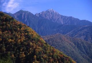 初秋の南アルプスエコーラインから聖岳